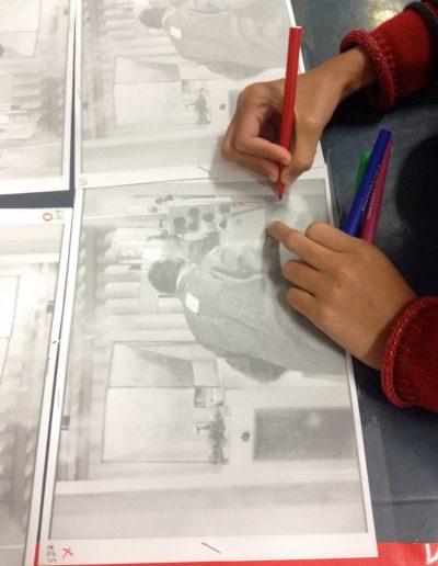 Sélection d'un personnage, dessin des contours et colorisation des 6 calques